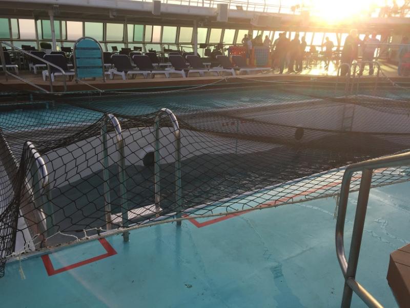 1142 27-11 pool deck