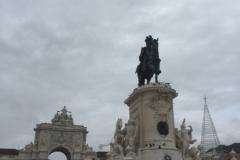 1156 28-11 Statue